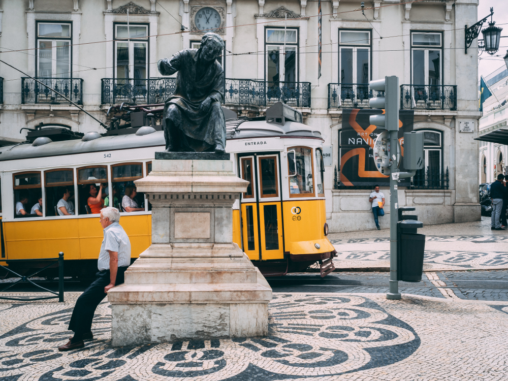 Travel Smart in Lisbon: Chiado